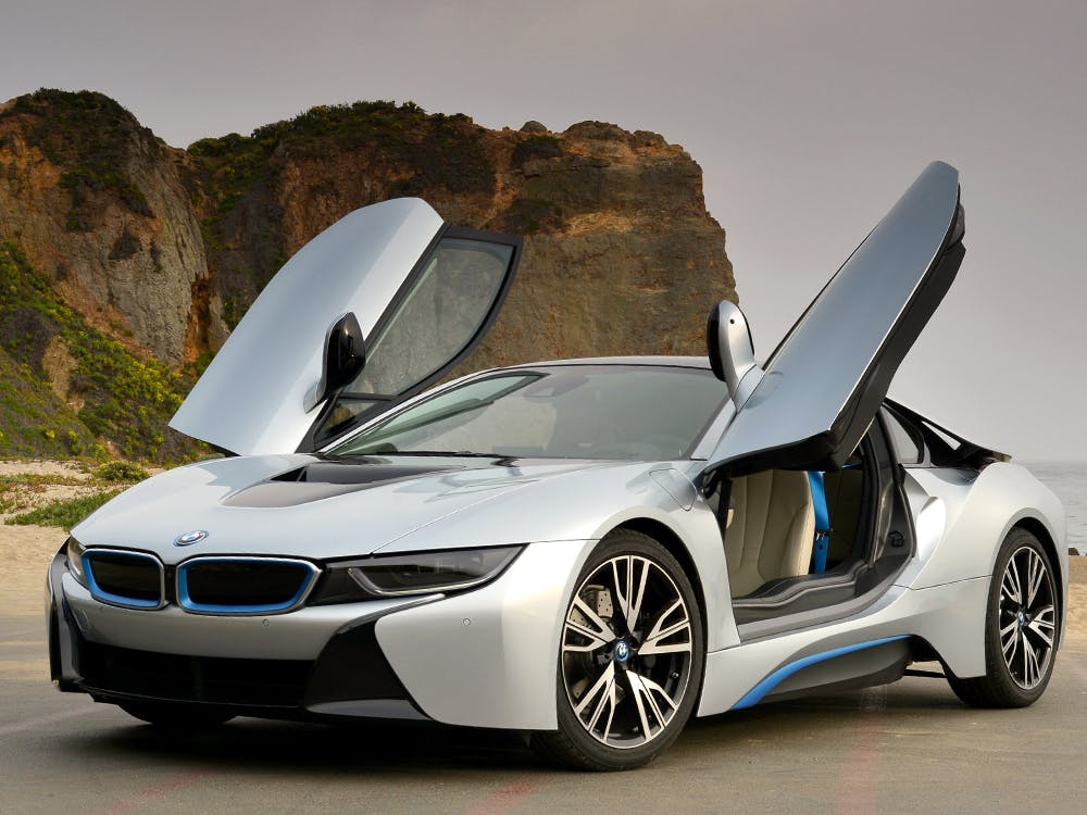 Motortrend Magazine Reviews The Bmw I8