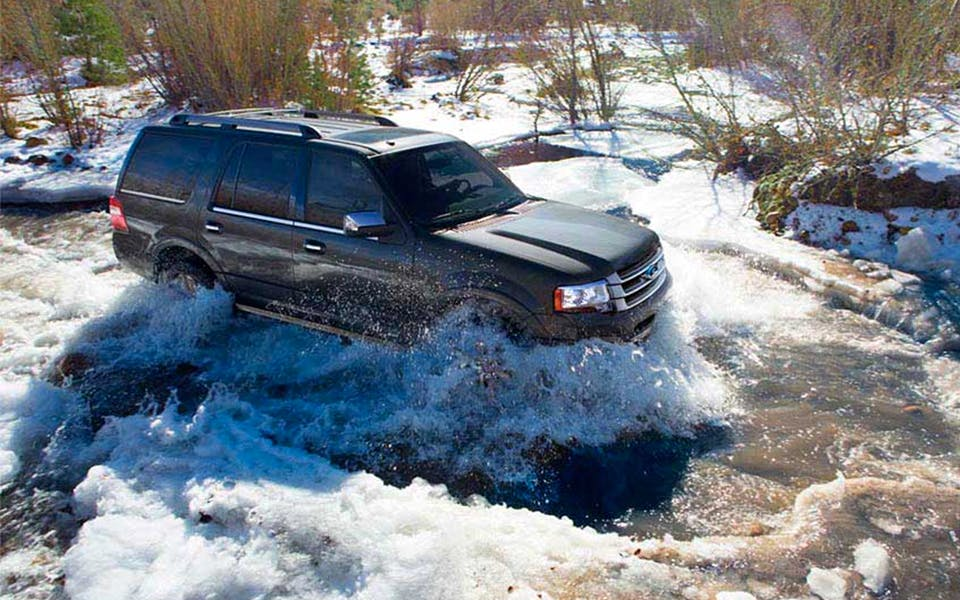 2017 Ford Expedition in water